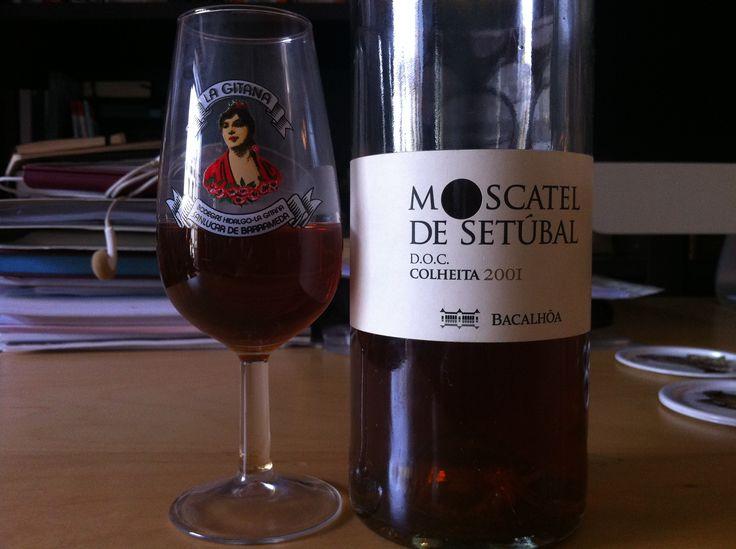 Moscatel de Setúbal en copa de manzanilla La Gitana