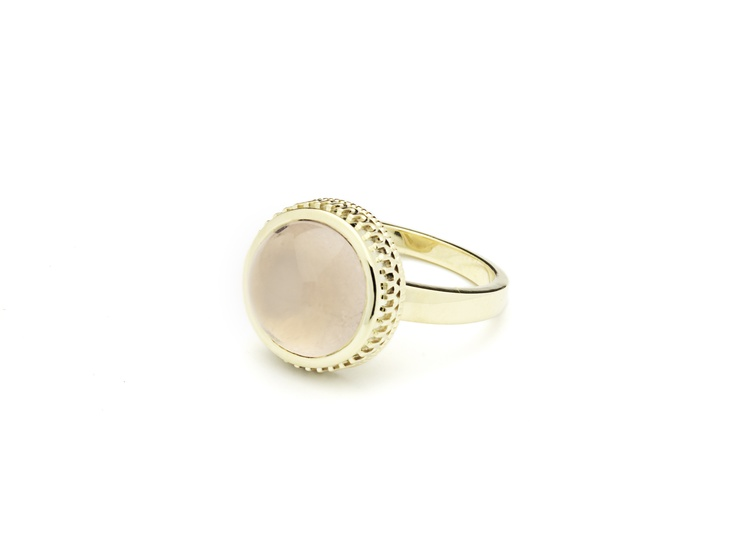Ring 14 carat gold with rose quartz. Eelz Amsterdam www.eelz.nl