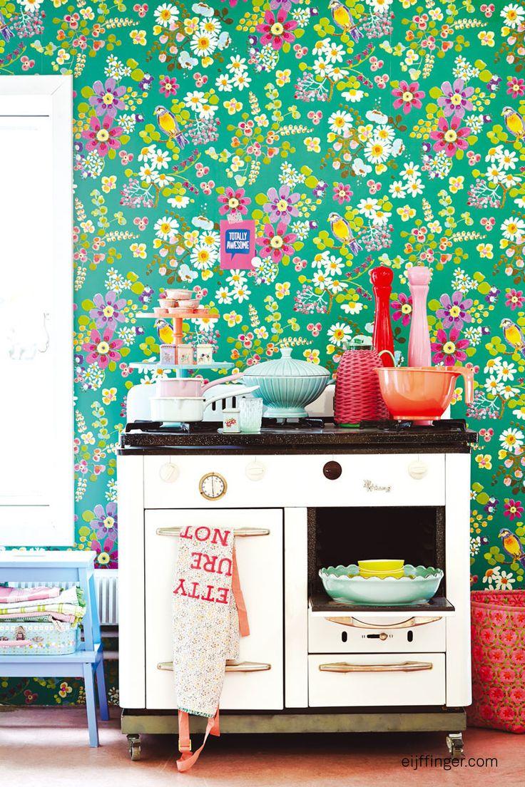 Het Deense lifestyle merk #RICE heeft samen met #Eijffinger een vrolijke & stijlvolle #behang collectie ontwikkeld! #wallpaper