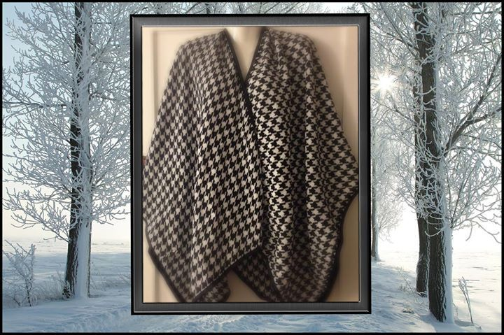 Shawl Hounds tooth Shawl / Cape / Poncho