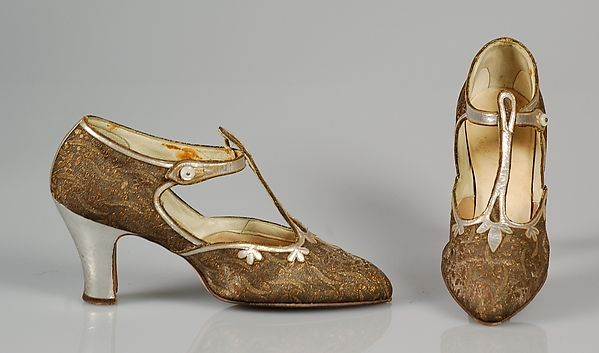 Evening shoes, Alfred J. Cammeyer (1849–1913), Leather; metallic, American ca. 1925