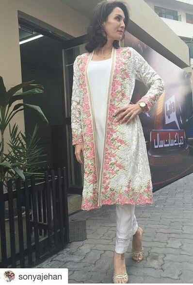 Pakistani actor Sonya Jehan, wearing Mina Hasan.