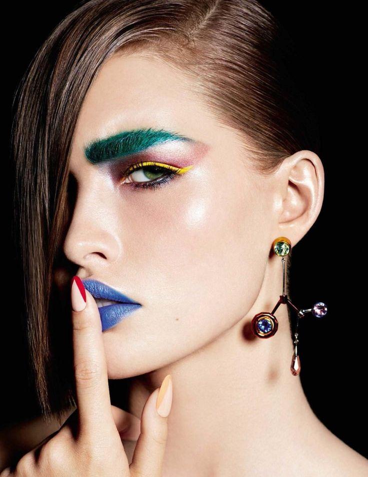 Grace Elizabeth é o Canvas da Fantstica Arte de Beleza da Vogue Espanha  Fragmentos de Moda