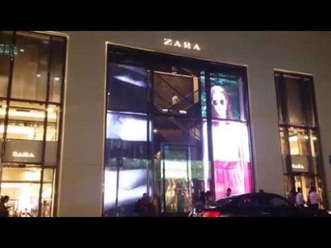 zara-glassled-transparent-led-window-screen