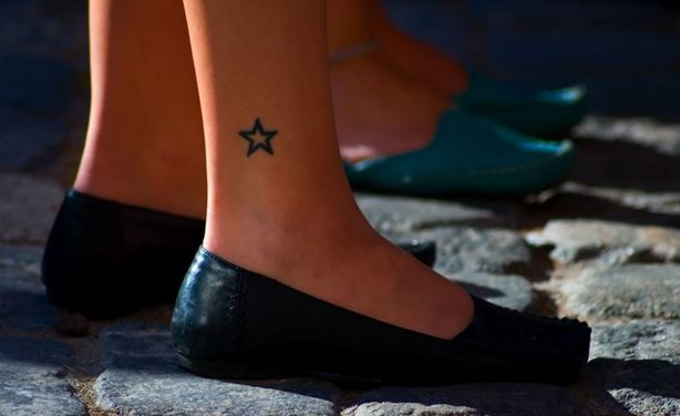 10 Incredibly Cute and Stylist Ideas of Delicate Feminine Tattoos Delicate Feminine Tattoos 08 – nextsoul.com