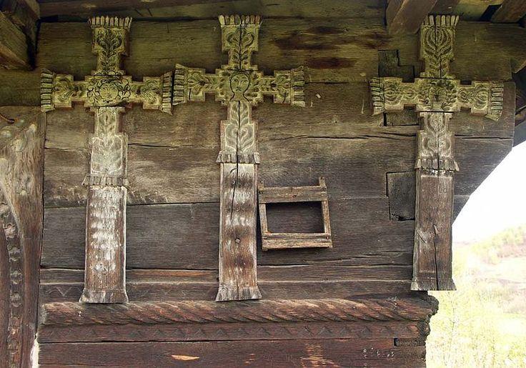 Valea de Jos.Cruci eroiV - Biserica de lemn din Valea de Jos - Wikipedia