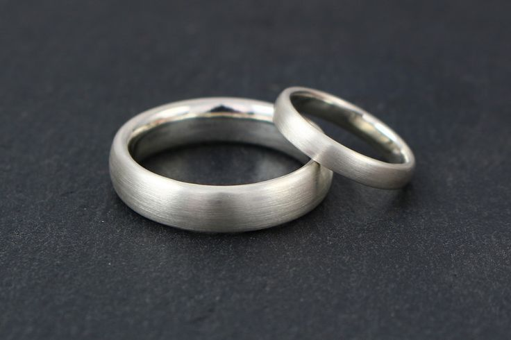Wedding Rings – Simple wedding rings made of silver – a unique product by Ina-Stehle bei