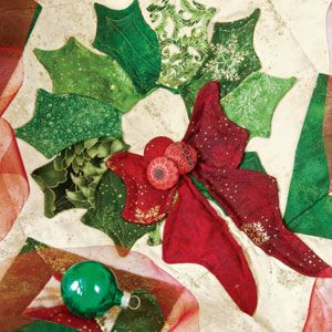 Bows & Holly: Dimensional Christmas Wreaths Quilt Pattern