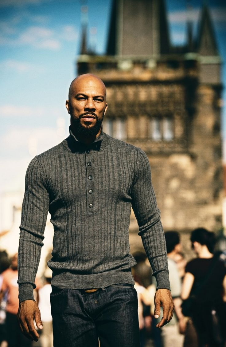 Well done to Common. Sharply dressed and pulling off a sweater and dark washed jeans w finesse.