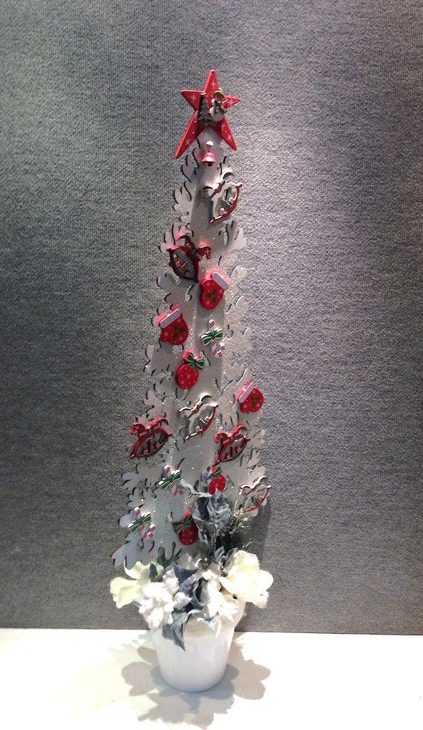 Winter Wonderland Tree  www.designelementflowers.com