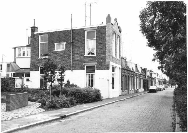 Friesestraatweg,1977, dit is het huis waar vroeger de Venema's hebben gewoond
