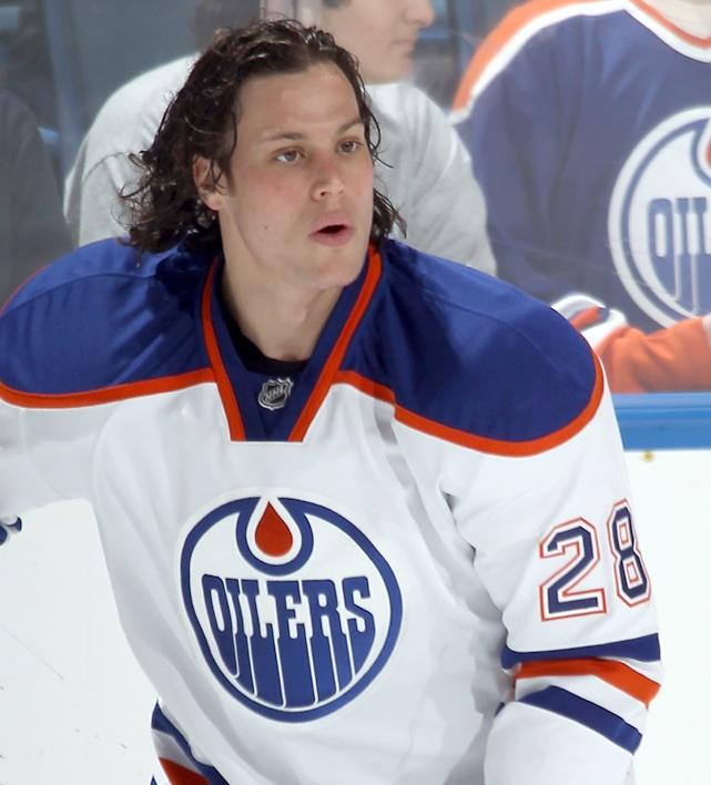 Ryan Jones  Edmonton Oilers, so hot!  Maybe it's his lips?