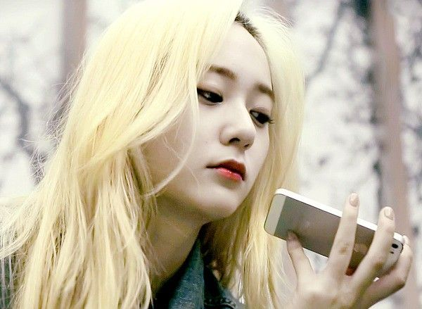 Krystal's blond hair