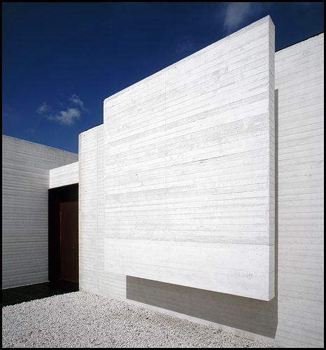 Madina al Sahra Museum in Cordoba by Spannish architects Nieto Sobejano. Photo by Hagen Stier. Beautiful texture.