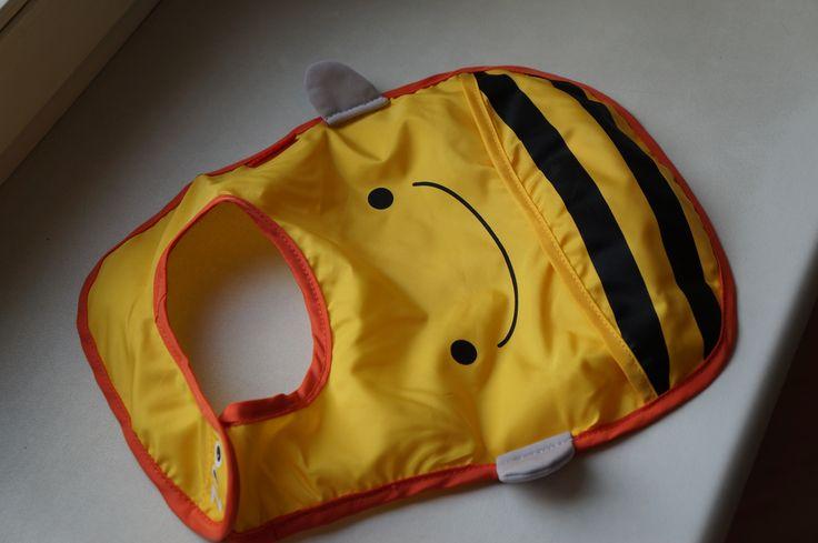 Śliniaczek pszczoła! <3 Super wygląda :) Oczywiście od Skip Hop. :) Bardzo łatwo schodzi jedzenie i dobrze się pierze, bez szkody dla obrazka. :)  #skiphop #dziecko #jedzenie