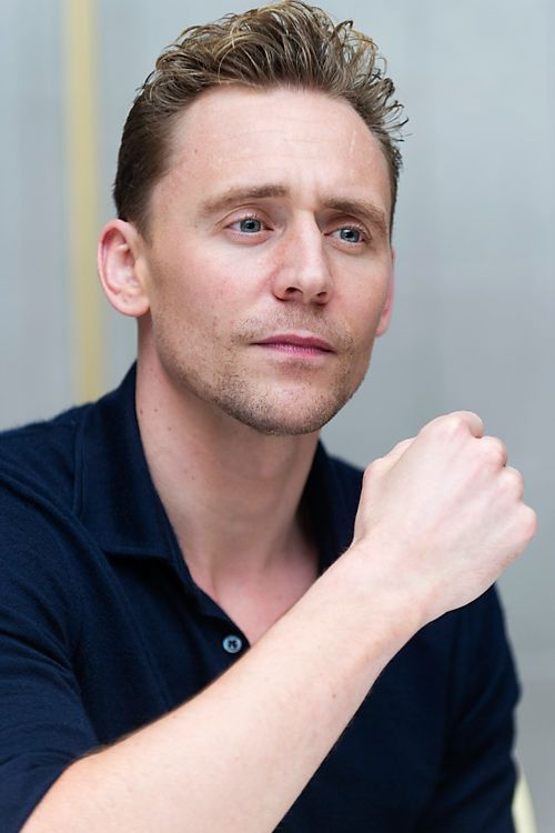 Tom Hiddleston, who stars in the mini series 'The Night manager', attends a Press Junket at the London Hotel in West Hollywood, CA, on March 21, 2016. Full size image: http://i.imgbox.com/VRYDaGMc.jpg Source: Torrilla, Weibo