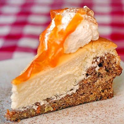 Carrot Cake Cheesecake Inspired By The Cheesecake Factory Version Of This Incredible Dessert The Cheesecake Layer Is Baked Right On Top Of The Carrot Cake