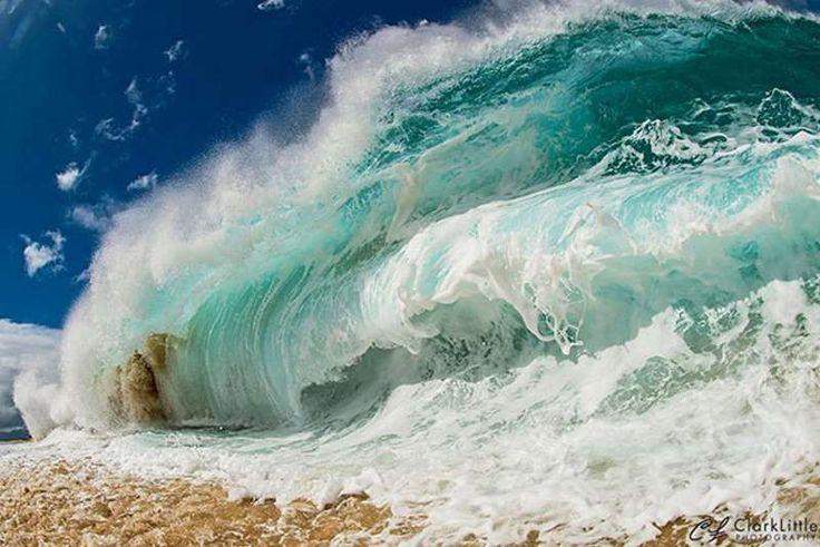 Вот как фотографы снимают гигантские волны на пляже • НОВОСТИ В ФОТОГРАФИЯХ