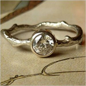 I love unconventional engagement rings!!! This is one of my favorites!!! Love the rustic look!!