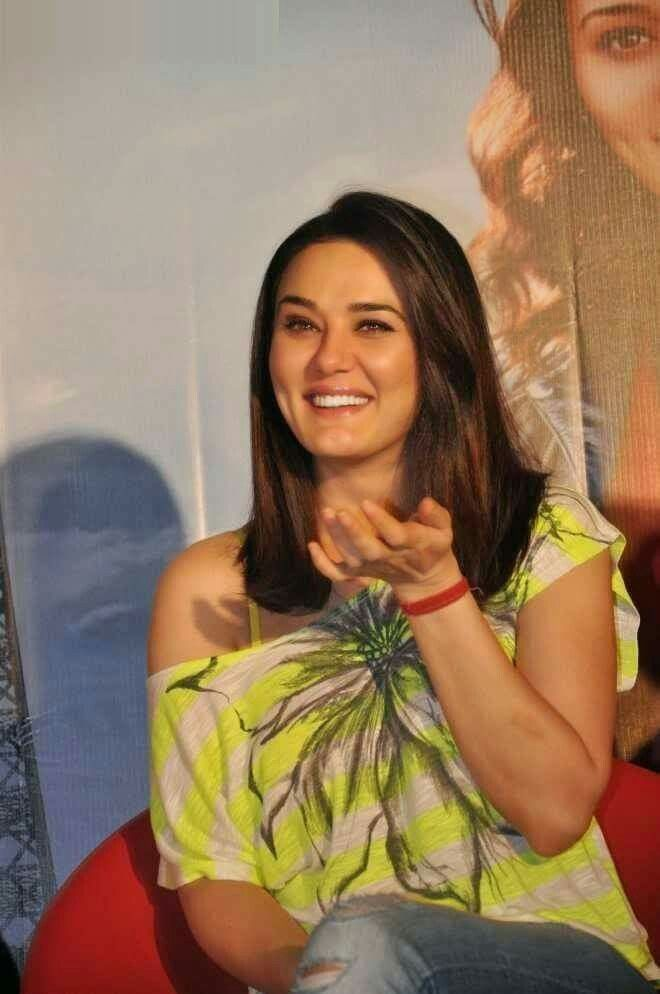 Such a Cutie Smile Real Preity Zinta <3 #ILoveYouMyBeautifalMom