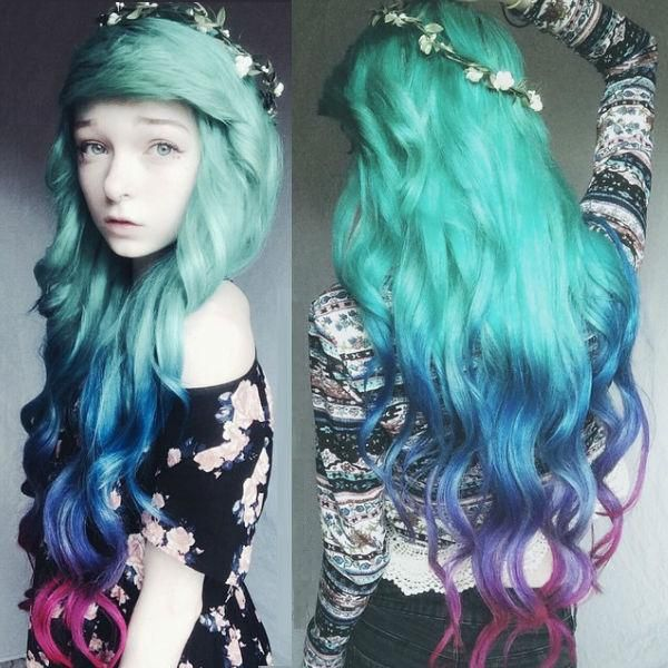 green ombre hair color extensions with blue and purple. Love this customer DIY dye show~ Nice mermaid hairstyle~