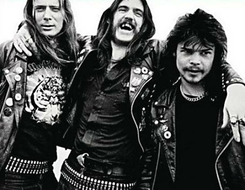 MOTORHEAD FIGHT FOR THEIR FANS