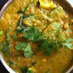 Thermie Green Vegetarian Curry Ingredients : 1 onion 1 garlic clove ginger, approx 2cm 1 bunch corriander TM vegie stock concentrate 3 big green chillis 1T peanut oil 1T fish sauce optional 1t ground cumin 3 kaffir lime leaves 600g sweet potato, pumpkin, carrot or potato 400g coconut cream 400g zuchini, brocolli, peas or snow peas 400g Chickpeas 100g fresh spinach leaves
