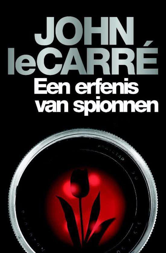 John le Carré - Een erfenis van spionnen // Met Een Erfenis van Spionnen grijpt meesterverteller John le Carré terug op zijn meest geliefde personage George Smiley en zijn bestsellers Spion aan de Muur en Edelman, Bedelman, Schutter, Spion. In een verhaal dat zindert van de spanning, de humor en de morele ambivalentie, confronteert Le Carré de lezer met een nalatenschap van onvergetelijke personages, zowel oude als nieuwe.