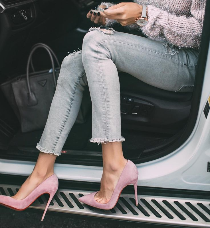 Sweet outfit, Christian Louboutin Pink So Kate Pumps, denim, sweater                                                                                                                                                     Mehr