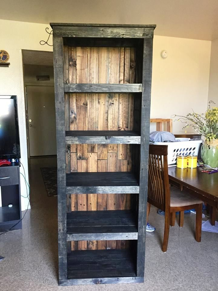 Pallet Shelving Tower / Bookcase - 30 Easy DIY Pallet Ideas for Your Next Projects | 101 Pallets