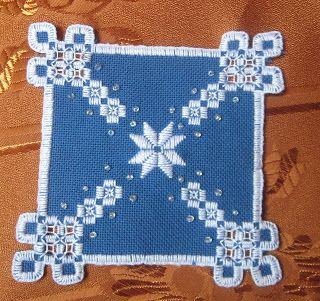 """Хочу показать свой колокольчик, и поучаствовать в проекте """"Четыре сезона"""" (зима): В работе использовалась Линда 27 каунта синего цвета, нитки Finca Perle…"""