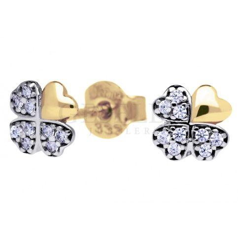 Subtelne i delikatne złote kolczyki w kształcie koniczynek - cyrkonie na trzech płatkach