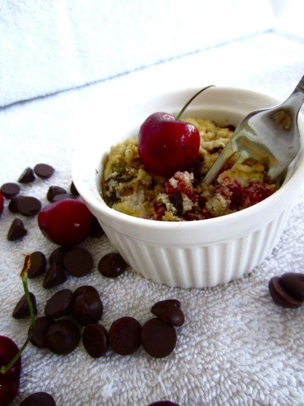 Paleo Cherry-Chocolate Chunk Cake for One: Paleo Cherries Chocolates, Craveable Cakes, Chocolates Cakes, Cherries Chocolates Chunk, Chunk Cakes, Paleo Cherry Chocolates, Multiplication Cakes, Glutenfree, Gdm Paleo Recipes