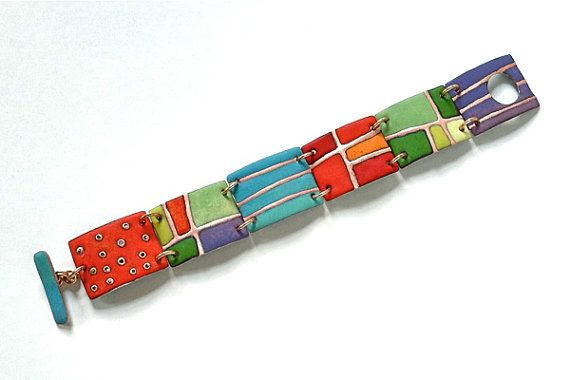 Purchase this video tutorial and learn to enamel and make this bracelet. https://www.craftcast.com/recordings/learn-make-enamelled-bracelet-angela-gerhard
