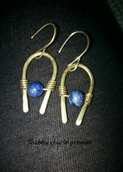 Handmade brass earrings with lapis lazuli stones.  Orecchini in ottone e pietra lapislazzuli, realizzati a mano. https://m.facebook.com/profile.php?id=675772772446917