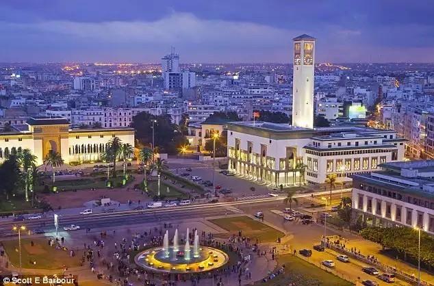 #Casablanca est la capitale économique du #Maroc. Elle est reconnue par ses offres commerciales ses deals et ses promotions. Toutes les activités y sont présentes et sur tous les secteurs. Parmi les offres les plus intéressantescelles du secteur de la #location de #voiture sans chauffeur. Toutes les #agences ont des offres de location diverses chacune d'elles concerne un modèle de voiture de location ou bien une catégorie de voiture de location.