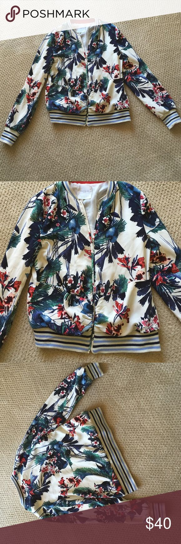 Small Zara Trafaluc Floral Zip Up Jacket Small and in good condition! This is a zip up jacket with two front pockets and elastic around the wrists and waist. Zara Jackets & Coats
