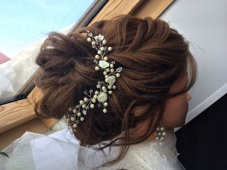 Свадебная веточка в прическу,веточка в прическу,свадебные украшения,свадебное украшение,украшение в прическу,украшение для причёски,свадебные аксессуары,свадебные детали,украшение невесты,гребень невесты,свадебный гребень,wedding accessories,bridal accessories