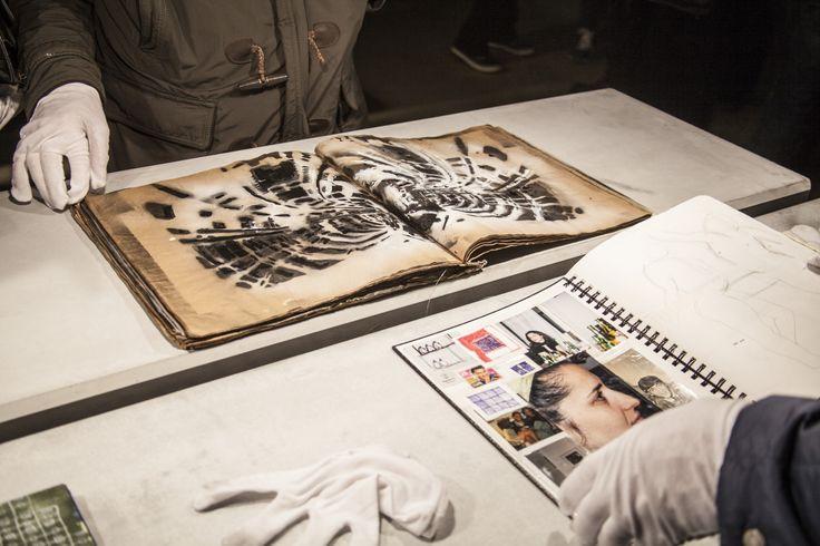 Sanatçının herhangi bir izlenme, zaman ve mekan kaygısı gütmeden düşünceleri ile malzemenin buluştuğu ilk nokta. #artfulliving #sergi #exhibition #contemporaryart #pgartgallery #ppenheimer #yagizozgen #tuncasubası  #aysewilson