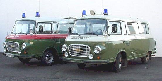 ddr barkas | rechtes Fahrzeug: Kontrollfahrzeug der Volkspolizei
