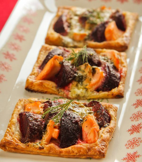 Beetroot, Salmon, Dill & Crème Frâiche Tarts  www.foodlovermagazine.com/recipes/beetroot-salmon-dill-creme-fraiche-tarts/3209  #beetroot #recipe