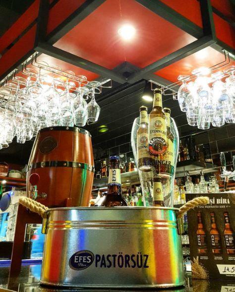 Mavişehir Leman Kültür de  en  güzel köşeler: Bar :)