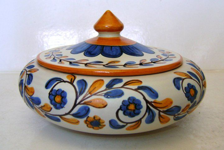 Beautiful Italian cookie jar