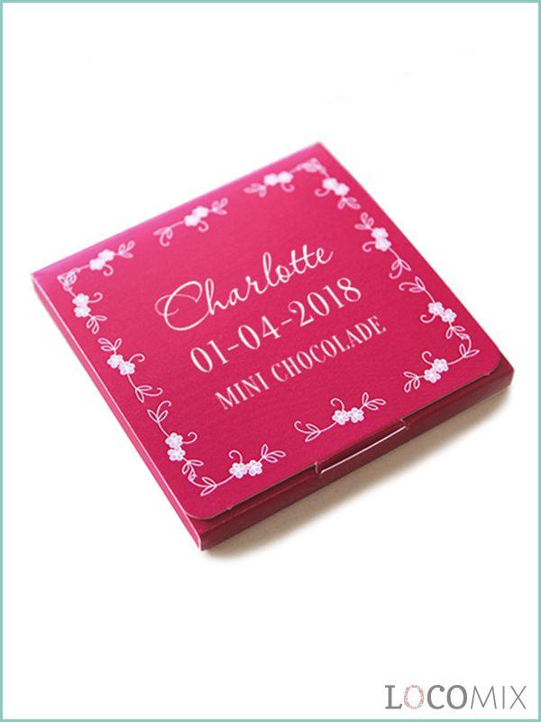 Mini Chocolade Communie Bedankjes zijn leuk en lekker om weg te geven. De verpakking kan je helemaal opmaken zoals je wilt met teksten, kleuren en afbeeldingen. Kies hiervoor een van onze ontwerpen of maak zelf een ontwerp. In de verpakking zit heerlijke pure chocolade. Dit bedankje is daarom perfect om de sweet table mee op te maken!