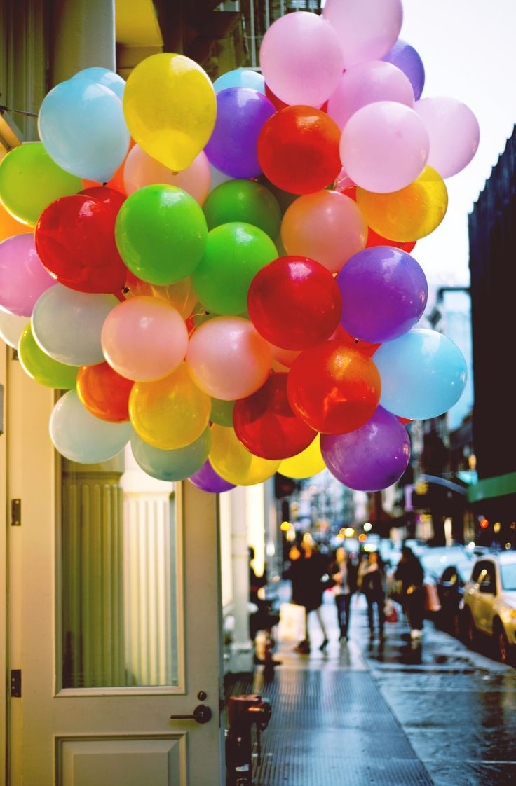 bright bunch of balloons Color Splash