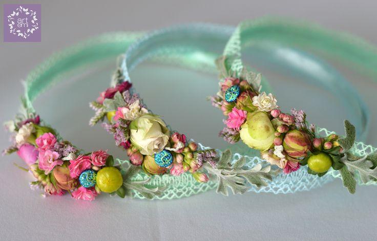 #artemi #florist #floralart #floraldesign #floralartist #weddings #weddingday #slub #wesele #dekoracje #decorations #weddingdecorations #weddinddecor #flowers #flowersdecor #weddingflowers #bride #groom #forbrideandgroom #pastels #mint #blue #turquoise #wianki #opaski #flowercorn #wreaths #forgirl #forgirls #weddingdetails #littledecor #bridesmaid #druhenka