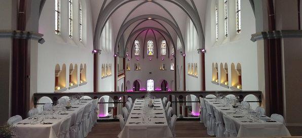 Klosterkirche Hennef  - Top 20 Hochzeits-Location Köln #hochzeit #feiern #location #event #einzigartig #weiß #schwarz #heirat #köln #special #wedding #unique