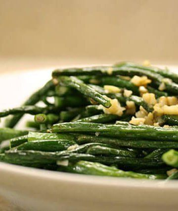 """The other day, I stopped by Sweetbay Supermarket by my home and found a bunch of Chinese Long Beans. They come in long bundles - typically they are 12"""" - 30"""" long, hence the nickname, """"Yard Long Beans."""" The best tasting Chinese Long Beans are young, 12"""" - 16"""" long. Purchase beans that have no black spots, flexible but not limp ..."""