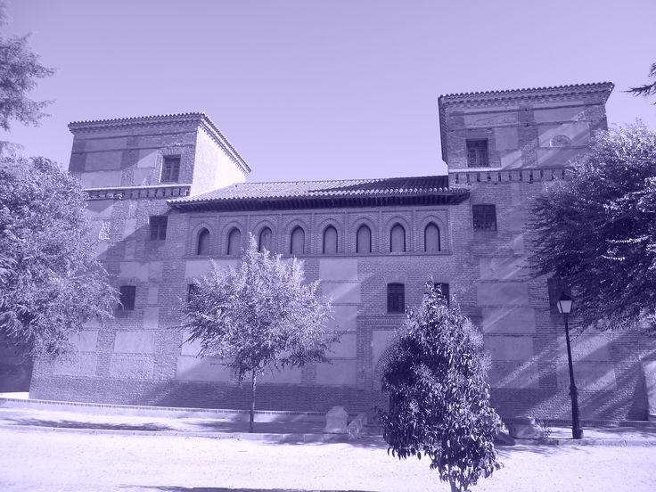 Fachada a calle Sos del Rey Católico.