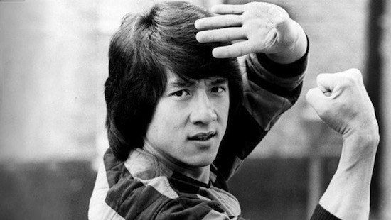 В молодости Джеки Чан боролся с коррупцией и выступал против крупнейшего в Китае преступного синдиката